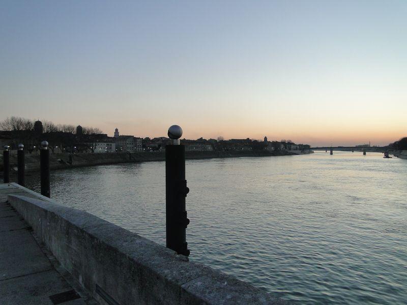 Awating Stars Arles