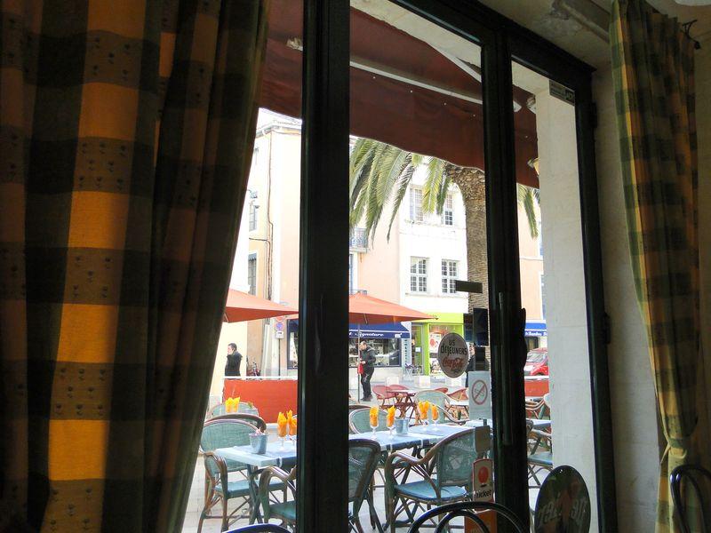 Nimes Table Languedoc