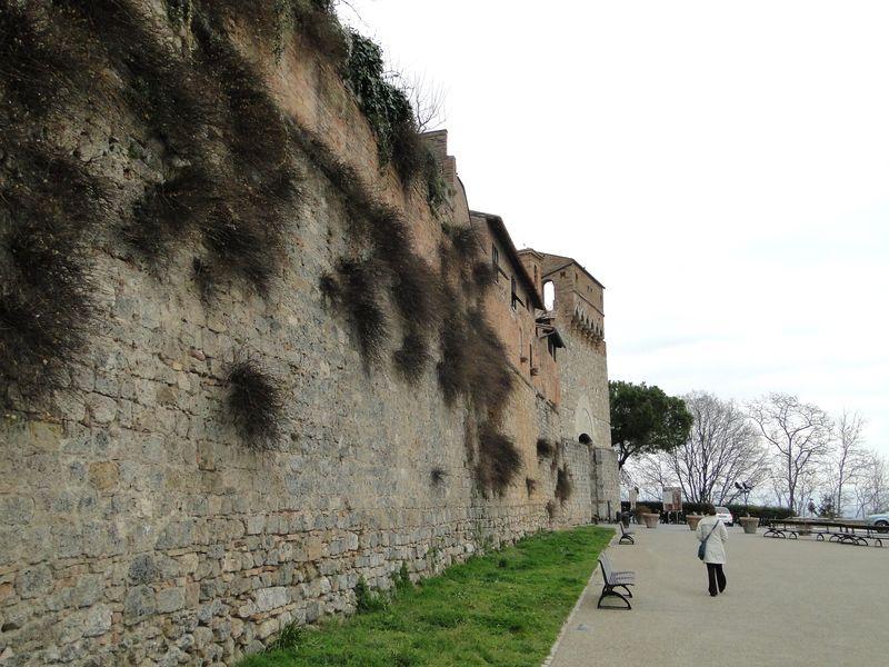 Giminagno Wall