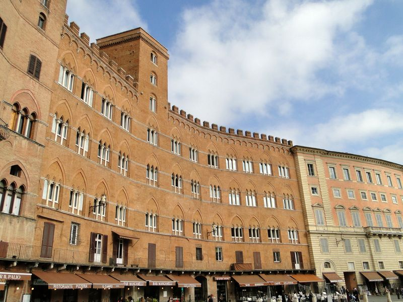 Sienna Square